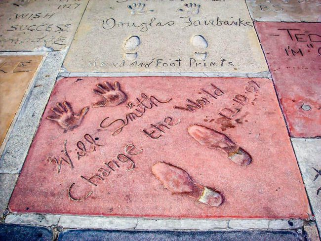 Los-angeles-Chinese-Theatre-2